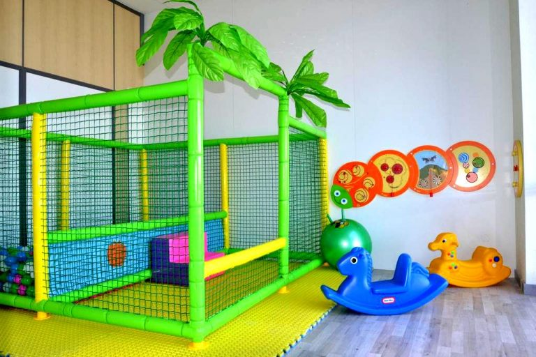 Hotel bed4U elVilla Castejón para niños mini club