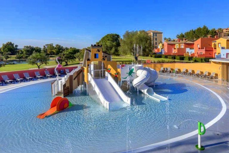 Barceló Montecastillo Golf hotel para niños toboganes de agua