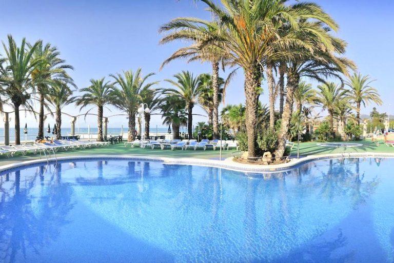 Hotel Caprici para niños piscina