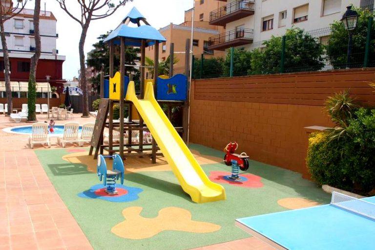 Hotel Mar Blau Hotel para niños parque infantil