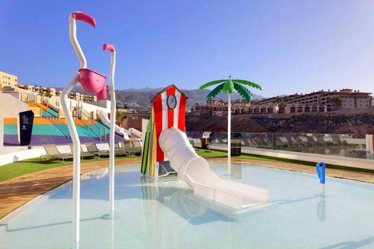 Hard Rock Hotel Tenerife hotel para niños piscina con toboganes