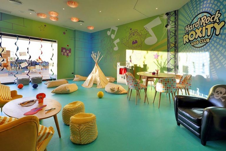Hard Rock Hotel Tenerife hotel para niños kids club