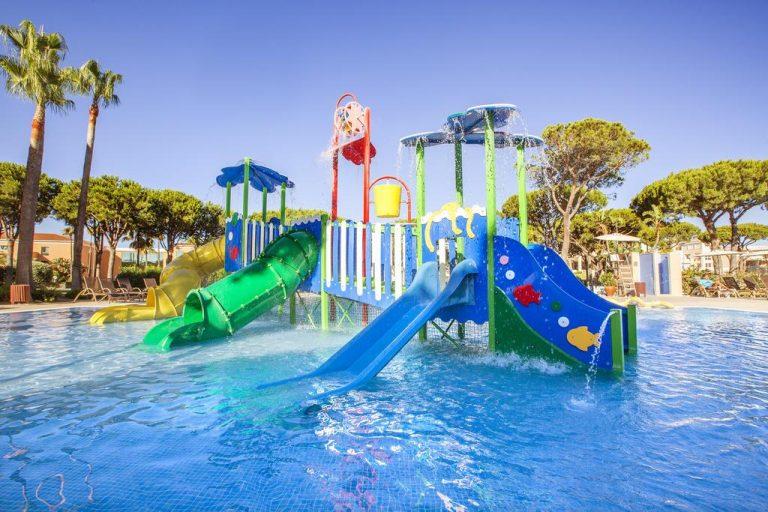 Hipotels Barrosa Garden hotel para niños piscina con toboganes