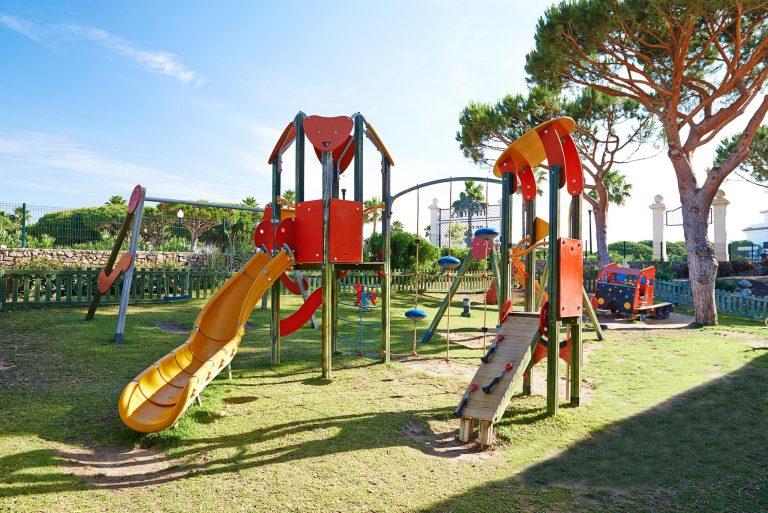 Hipotels Barrosa Garden hotel para niños parque infantil