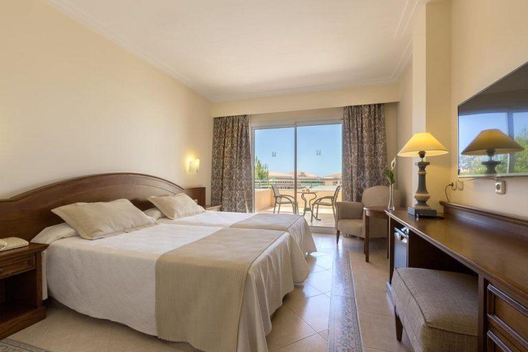 Hipotels Barrosa Garden hotel para niños habitación