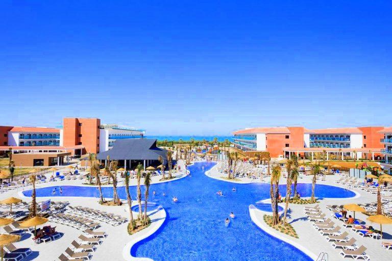 Best Costa Ballena hotel para ninos con toboganes