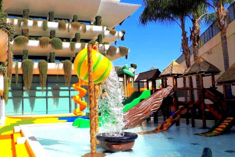 Hotel Deloix 4 Sup hotel para niños toboganes de agua