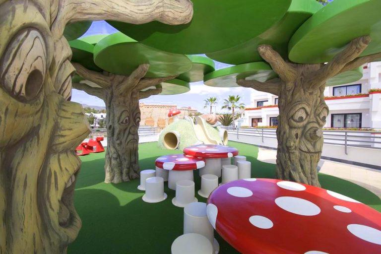 Hotel Gala para niños parque infantil