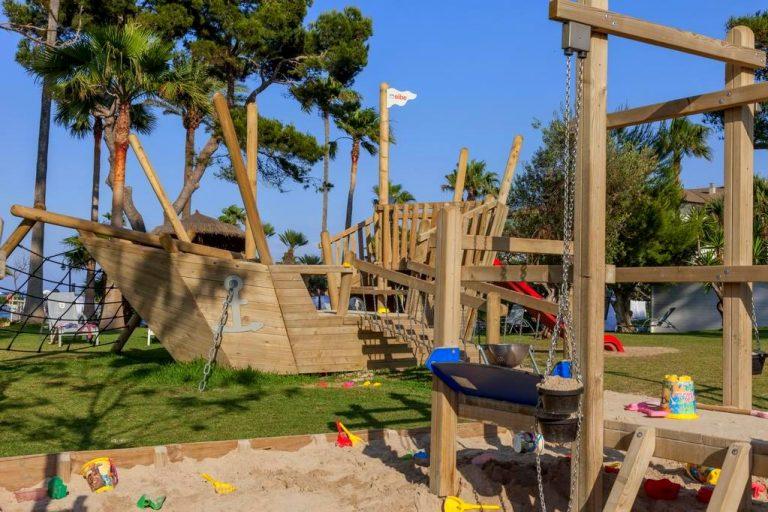 Hotel Playa Esperanza Hotel para niños parque infantil