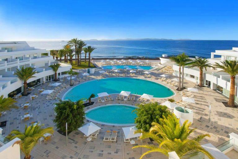 Iberostar Lanzarote Park hotel para niños piscina