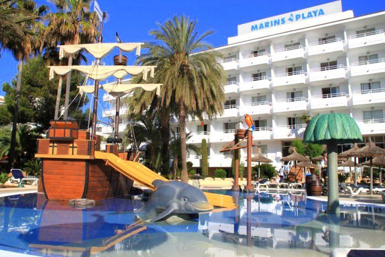 Marins Playa hotel para niños piscina con toboganes
