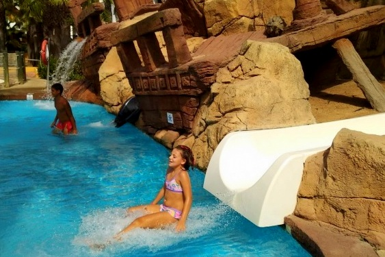 Playaballena Aquapark & Spa Hotel para niños toboganes