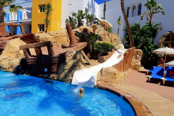 Playaballena Aquapark & Spa Hotel 8
