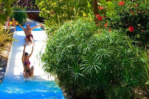 Playacálida Spa Hotel Luxury para ninos con toboganes