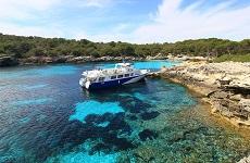 Paseo en barco por las calas del sur desde Ciutadella
