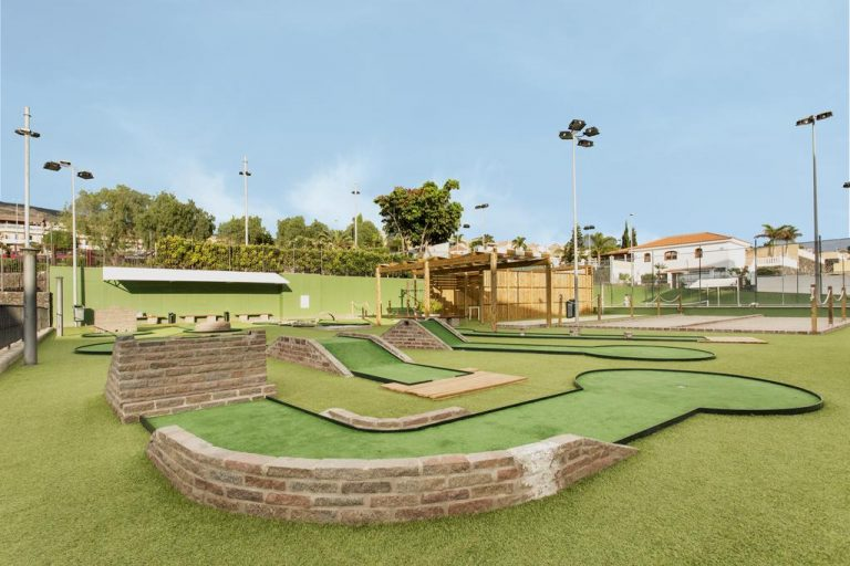 Be Live Experience Playa La Arena mini golf