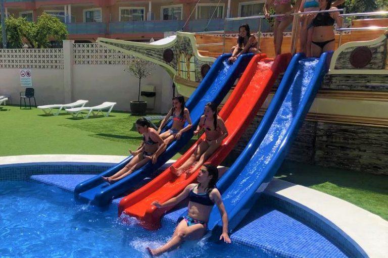 Hotel Don Juan Resort para niños con toboganes de agua